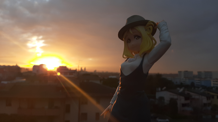 Just took a beatiful sunset with my mari figure! Shiny!~