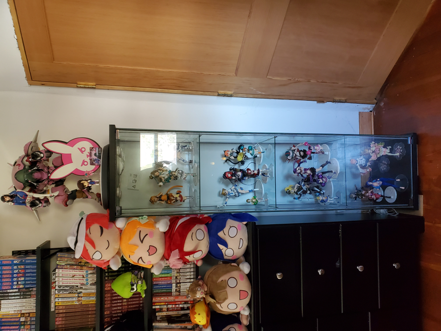 Heres all the alter Love Live figures I have on display at the moment. Kotori and Umi are still my...