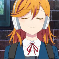 Here guys i thought of posting a cute kanon photo of her putting her headphones on!